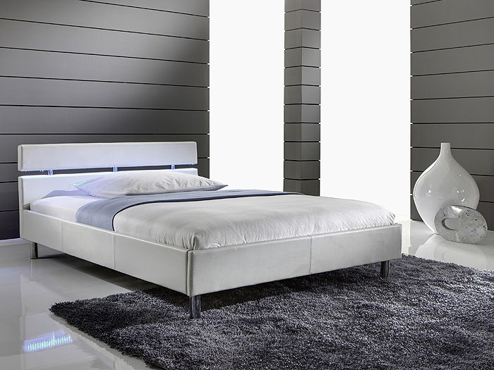 weies bett 140x200 bett byzanz wei with weies bett 140x200 interesting paula set schrank trg. Black Bedroom Furniture Sets. Home Design Ideas