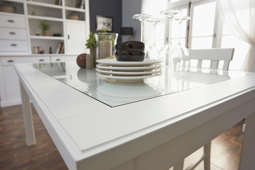 esszimmermobel landhausstil raum und m beldesign inspiration. Black Bedroom Furniture Sets. Home Design Ideas