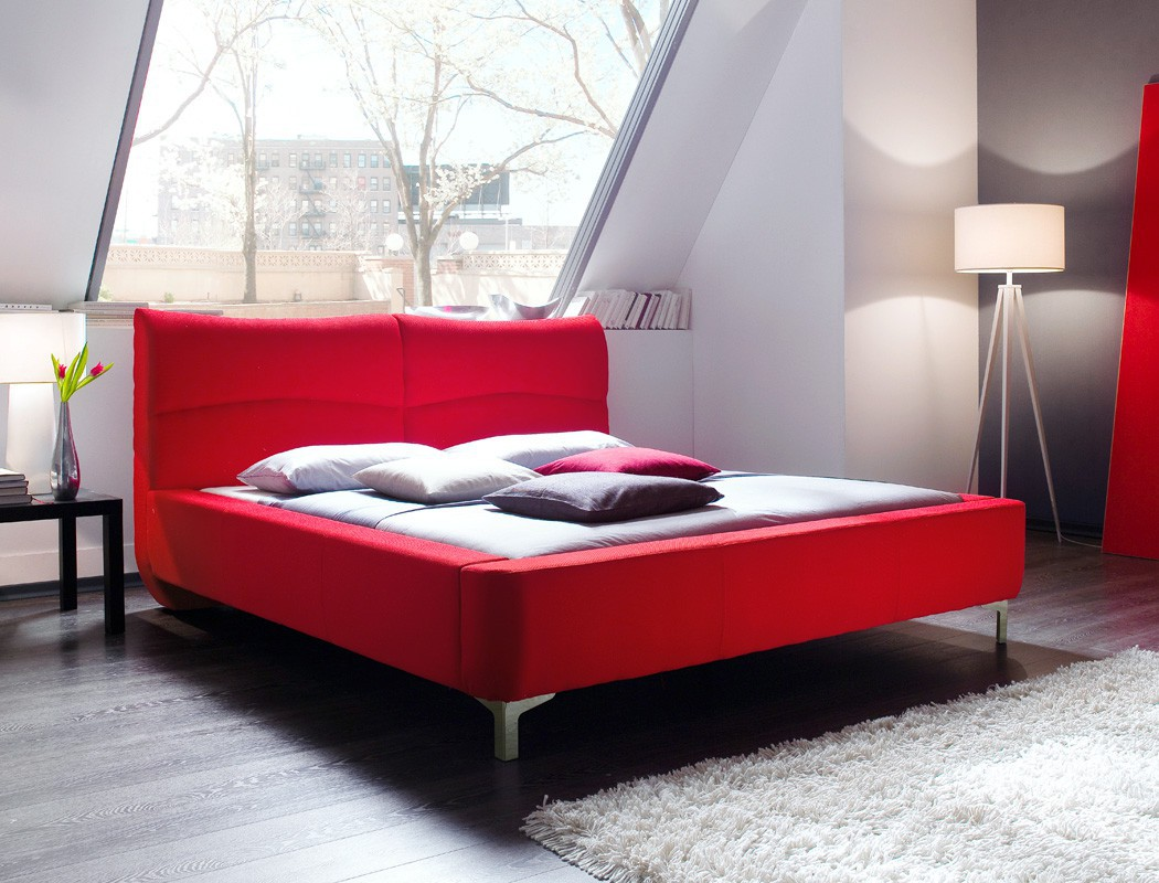 polsterbett bett 180x200 stoffbezug rot doppelbett ehebett designerbett cloude ebay. Black Bedroom Furniture Sets. Home Design Ideas