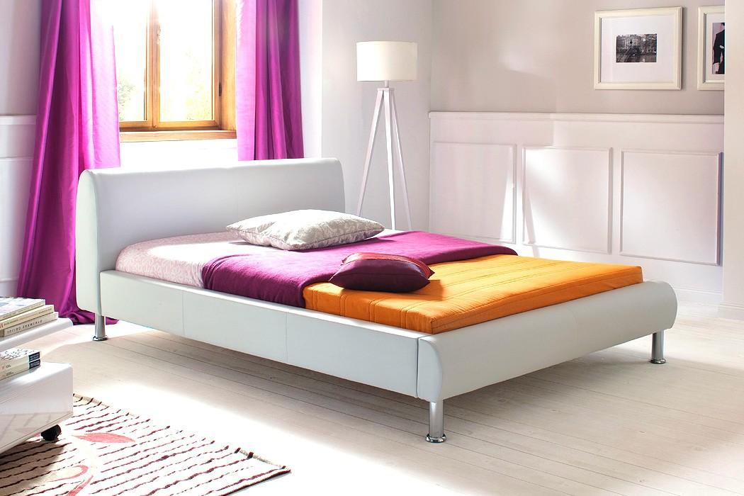 polsterbett mirco 140x200 wei kunstleder singlebett designerbett wohnbereiche schlafzimmer. Black Bedroom Furniture Sets. Home Design Ideas