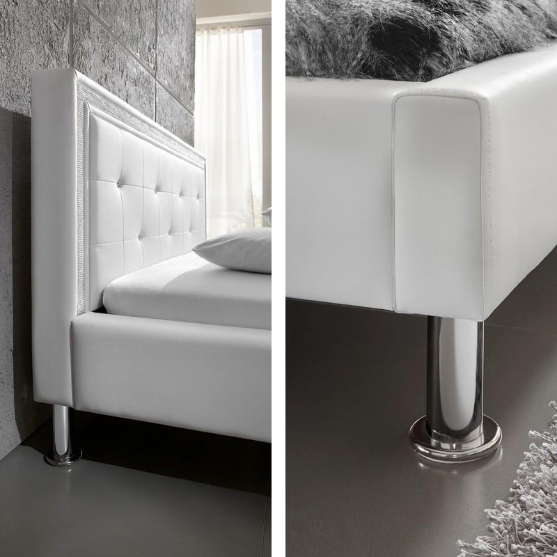 polsterbett dave 140x200 schwarz kunstleder mit strassband. Black Bedroom Furniture Sets. Home Design Ideas